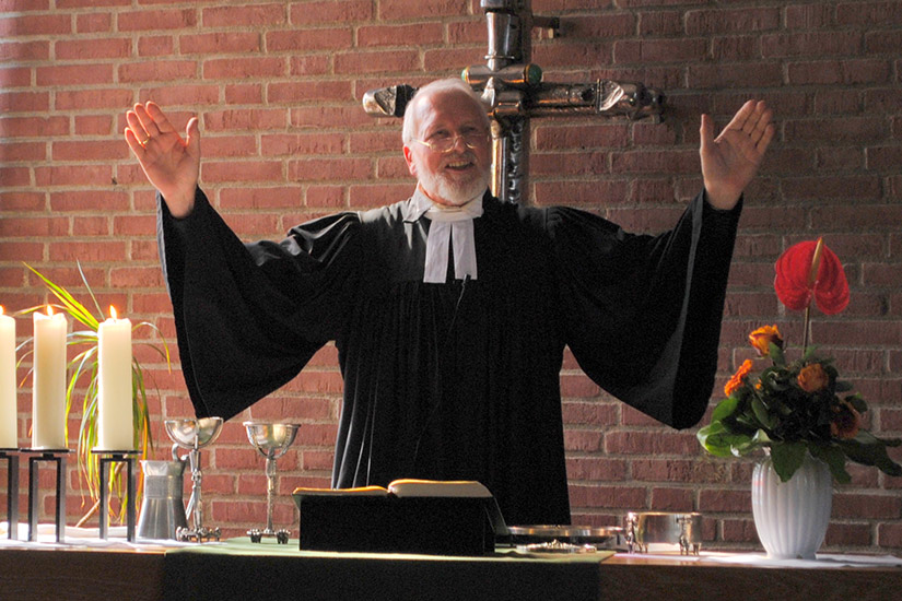 Pfarrer - ein Beruf wie jeder andere?