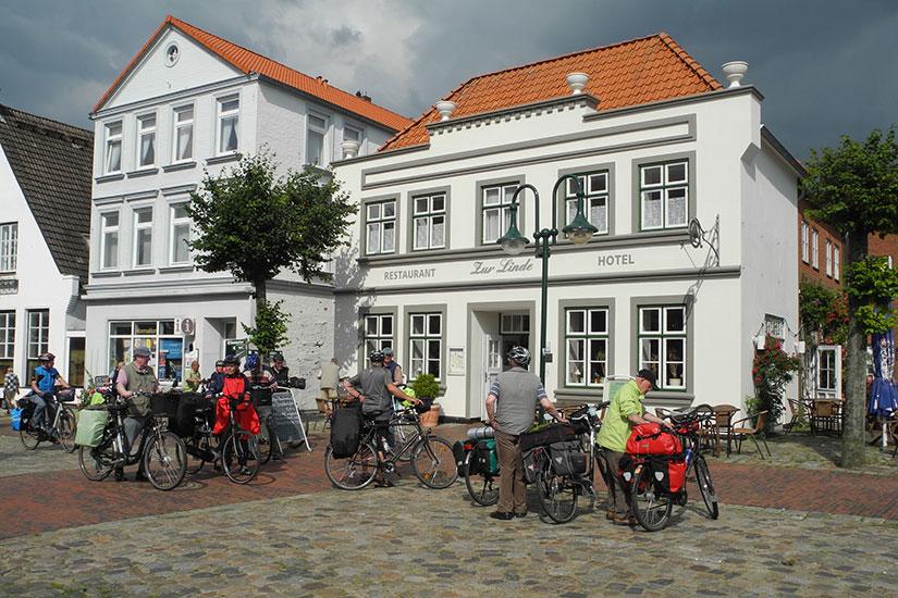Ankunft beim Hotel Zur Linde, Meldorf