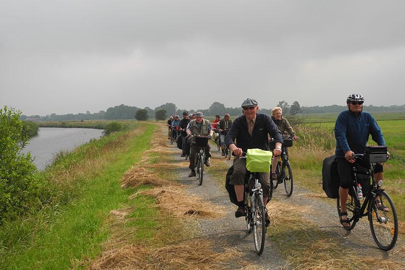 Lichtenpils am Kanal Schifffahrtsweg-Elbe-Weser